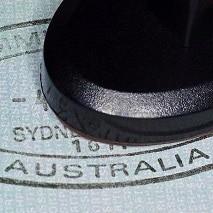 Оказать финансовую поддержку визовым заявлениям своих родственников