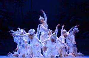 The Imperial Ice Stars даст представления в Австралии.