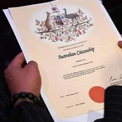 Больше новых граждан Австралии