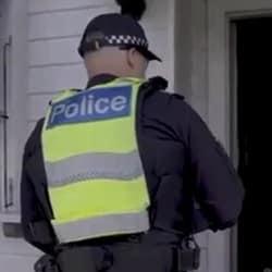 НарушиПредъявлены обвинения трем женщинамли самоизоляцию в Мельбурне