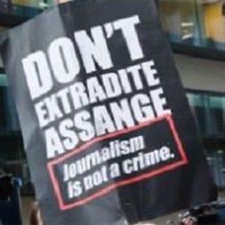 Ассанжа не станут отправлять в США