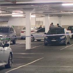 Выстрелы на автостоянке супермаркета
